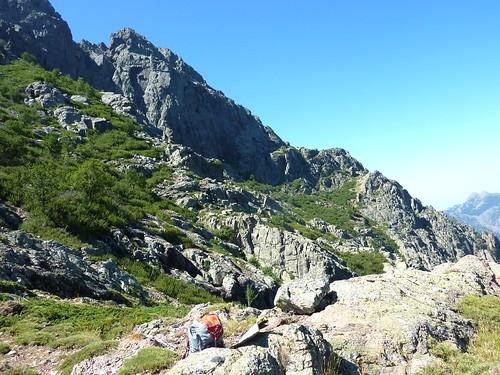 Au 2ème col de l'arête secondaire : le versant Scaffone avec le départ de la vire (photo bien connue !)