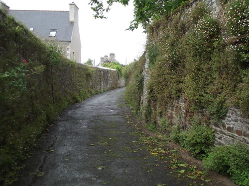 A quiet lane in Tréguier by rajmarshall