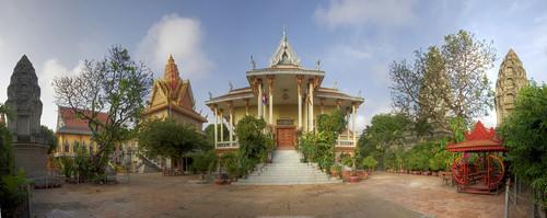 auto city autostitch panorama temple asia cambodia view stitch sony capital wide alpha incredible phnom penh 580 mariusz a580 kluzniak