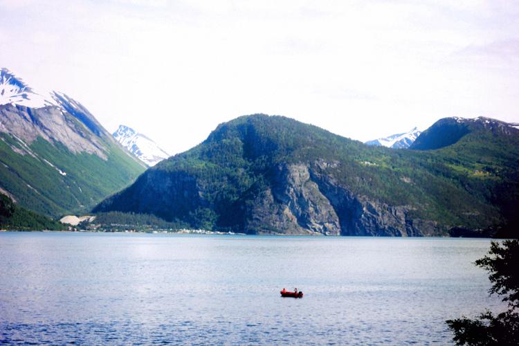 geiranger fjord lake