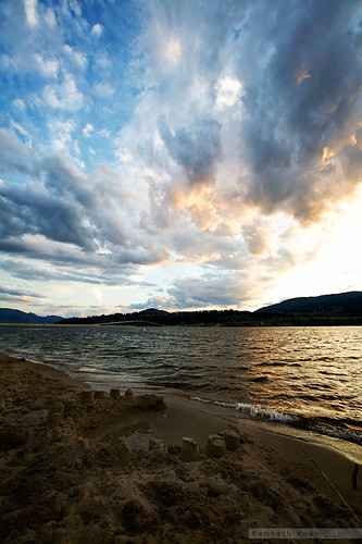blue sunset sky cloud lake canada beach water dark sand bc britishcolumbia wideangle kelowna canoneos5d canonef1635mmf28l kennethkwan