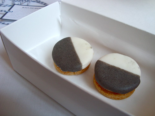 Savory Black and White Cookies @ Eleven Madison Park (NY)