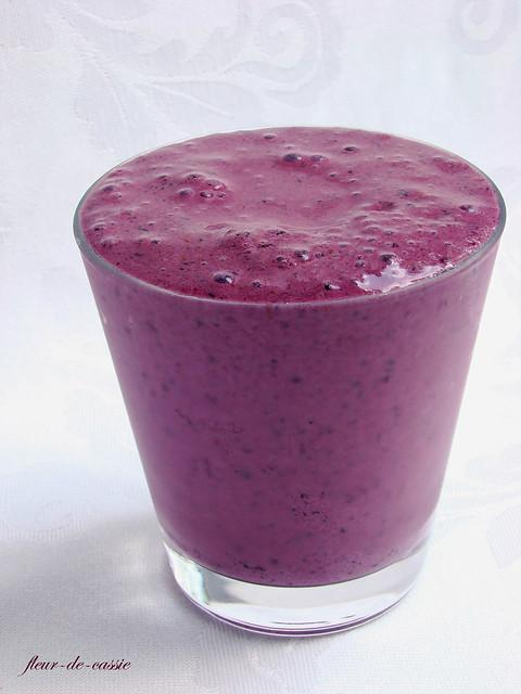 черничный молочный коктейль