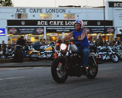 2012 07 26 Ace Cafe London HD Night 005 1280 by fotodnevnik