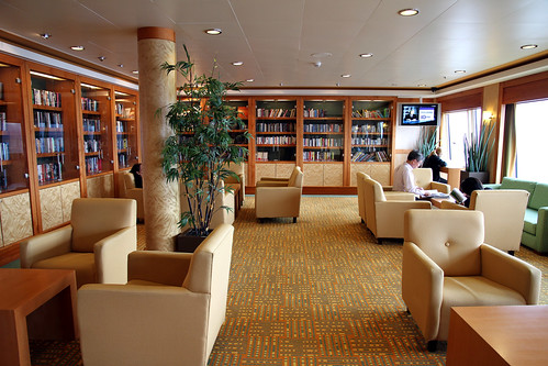 Norwegian Pearl - The Library