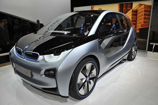 BMW to sell luxury cars for less online 2013 i3