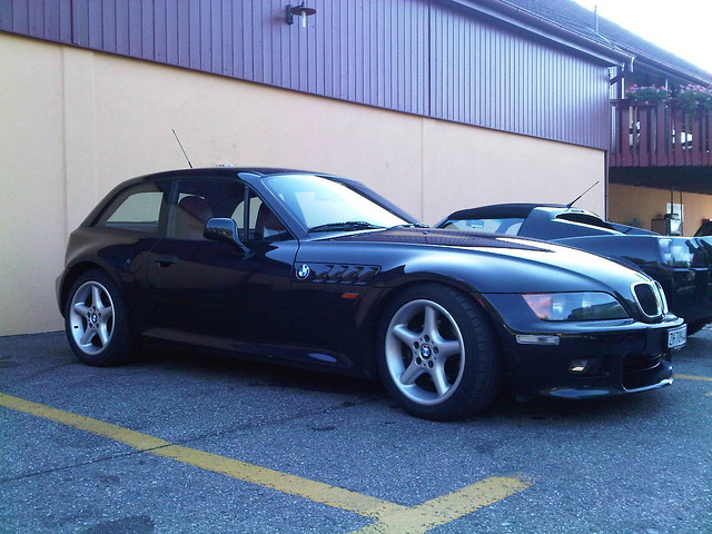 1999 Z3 Coupe | Cosmos Black | Dream Red
