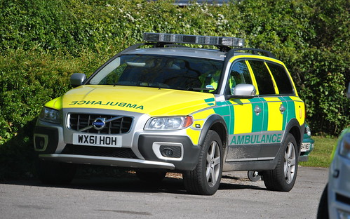 East of England Ambulance Service / Volvo XC70 / Hazardous Area Response Team Rapid Response Vehicle / xxx / WX61 HOH