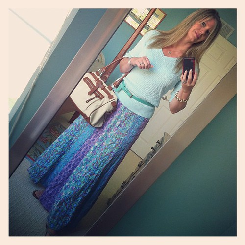 Wednesday's ootd: To the maxi.  Skirt, Garnet Hill (thrifted, yeeha!).  Sweater, Talbot's.  Belt, J. Crew. Sandals, Roxy via DSW
