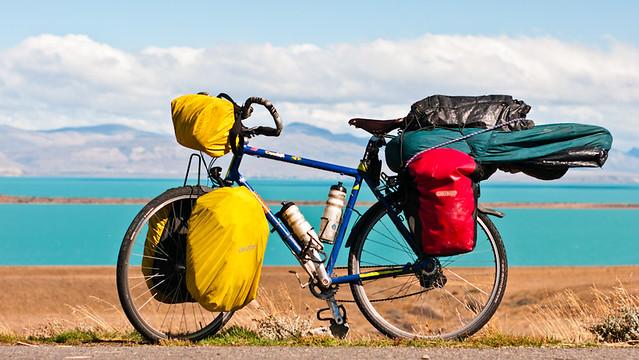 Ona en plena libertad, cicloturismo, patagonia