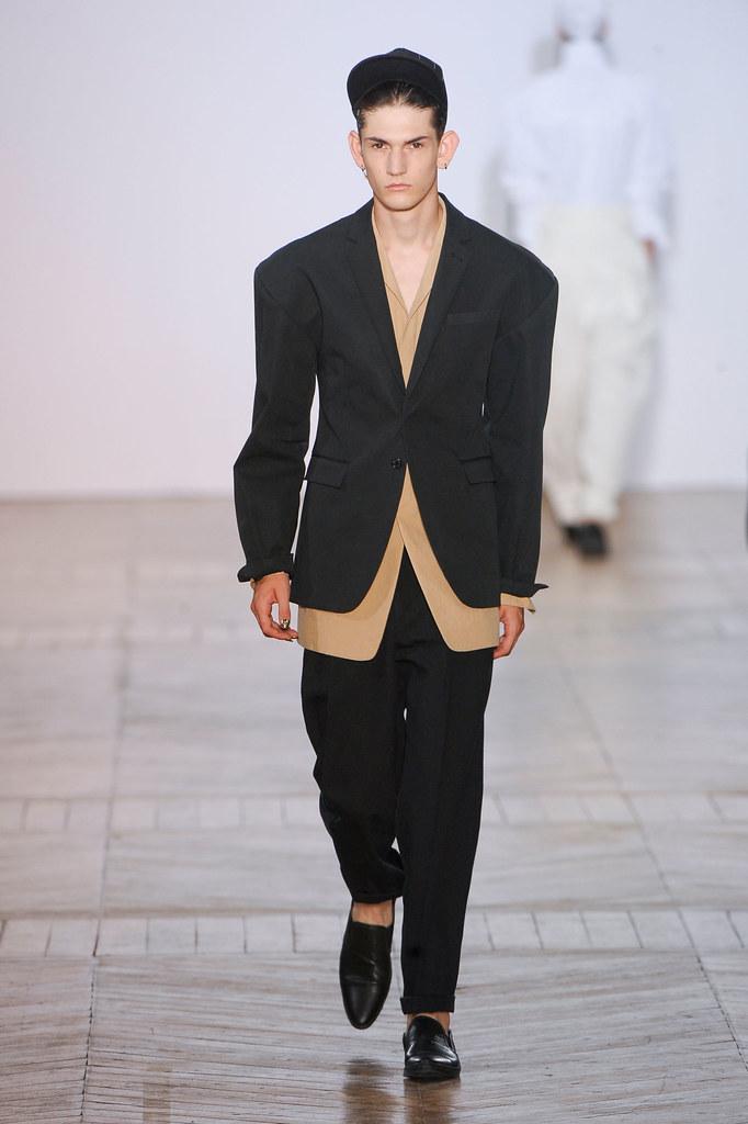 SS13 Paris Juun J.013_Reece Sanders(fashionising.com)