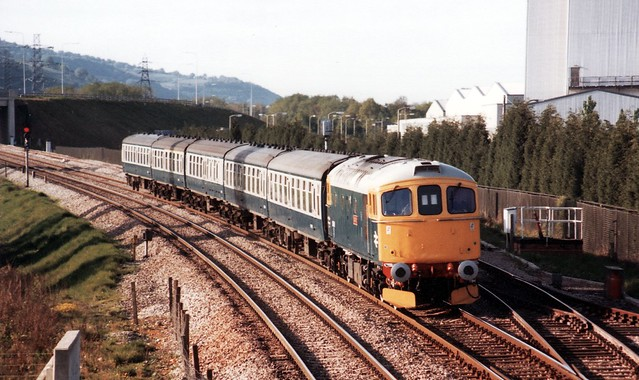 33008 1V06 1605 Crewe - Cardiff at Cwmbran 12.05.1984