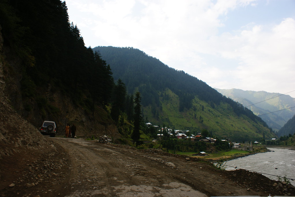 """MJC Summer 2012 Excursion to Neelum Valley with the great """"LIBRA"""" and Co - 7588291490 5729740935 b"""