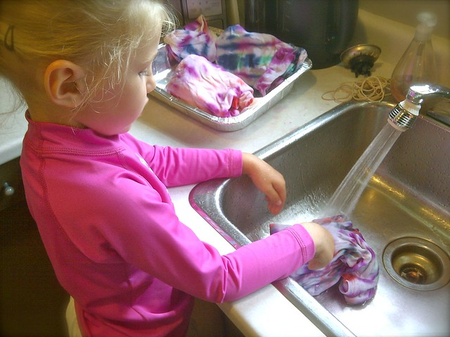 Zo washing out tie dye