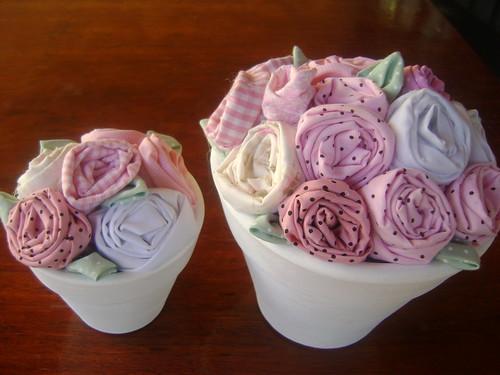 Vaso com rosas de tecido by Sweet by Carla