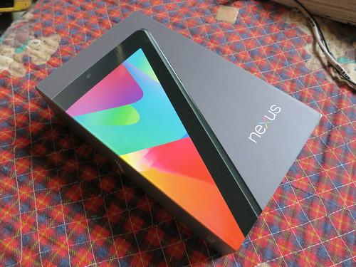 Google Nexus7 届いたー 7/18からだから10日で届いた