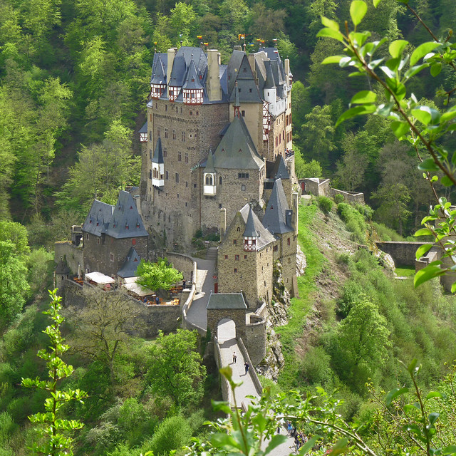 The solitude and beauty of Eltz castle