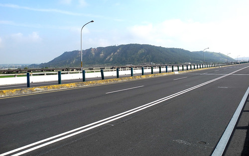 Long Bridge on the Way to Taichung