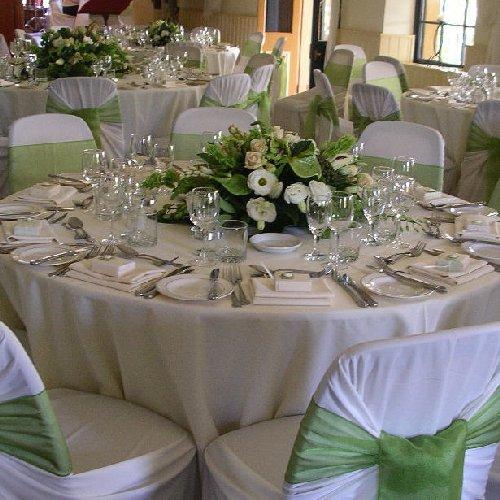 Table rabattable cuisine Paris: Deco table mariage vert et blanc