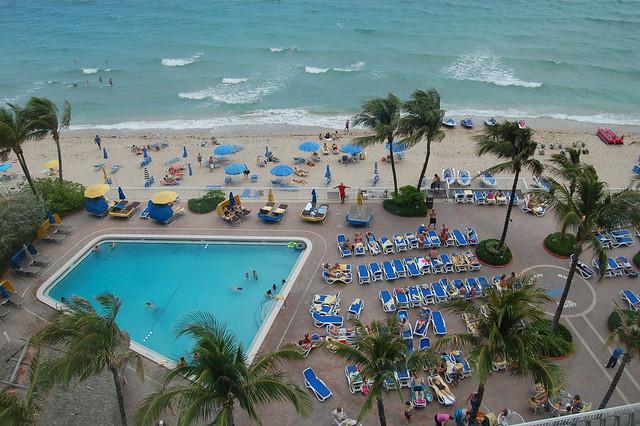 pool at ocean sky hotel and resort fort lauderdale. Black Bedroom Furniture Sets. Home Design Ideas