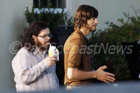 Primeras fotos de Ashton Kutcher en jOBS