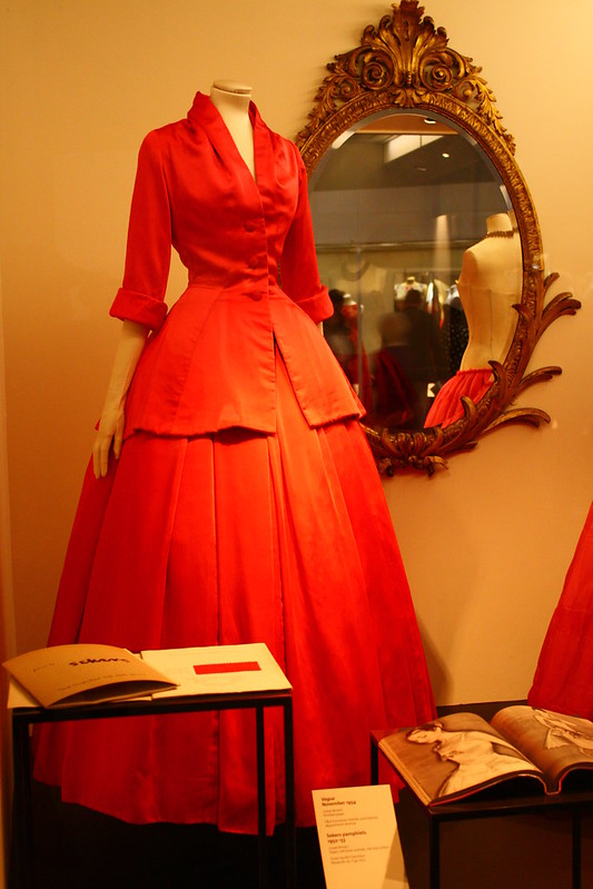 V&A Fashion Exhibit