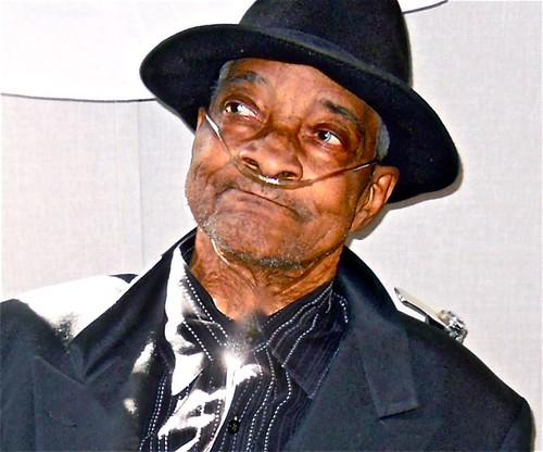 BLUESMAN: Hubert Sumlin .. WATCH: