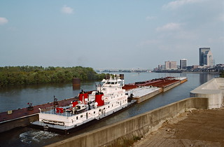 87i074: Valvoline departing Portland Canal upbound on Ohio River at Louisville