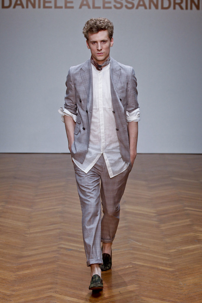 SS13 Milan Daniele Alessandrini033_George Barnett(fashionising.com)