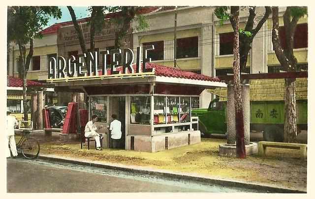 SAIGON 1950s - Kiosque Argenterie