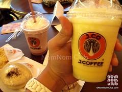 J.CO Orange Yogurt Frappe