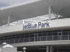 sport venue(0.0), canopy(0.0), window covering(0.0), stadium(0.0), arena(0.0), daylighting(1.0), building(1.0), leisure centre(1.0), ceiling(1.0), facade(1.0),