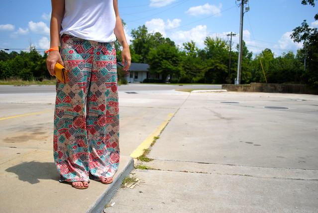 printed palazzo pants trend