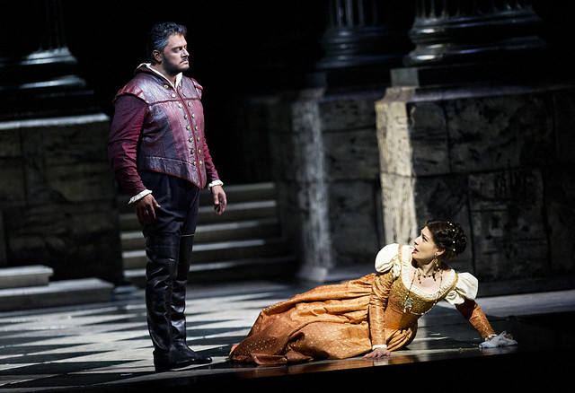 Aleksandrs Antonenko as Otello and Anja Harteros as Desdemona in Otello. © ROH/Tristram Kenton 2012