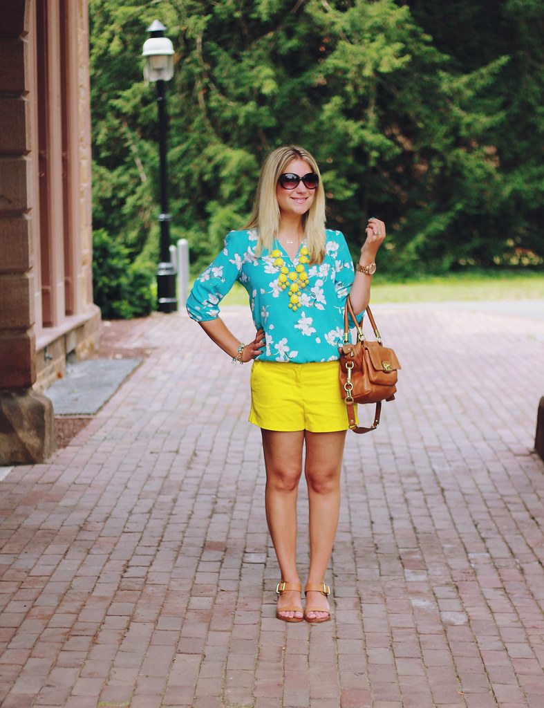 yellow and turquoise casual summer outfit
