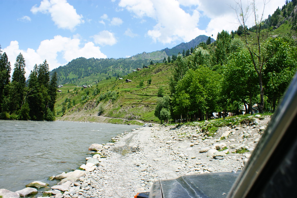"""MJC Summer 2012 Excursion to Neelum Valley with the great """"LIBRA"""" and Co - 7608662798 6fa0de26a1 b"""