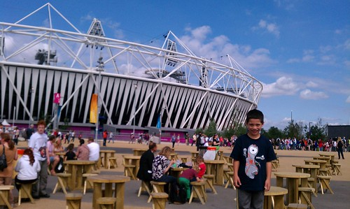 London Olympic Stadium (from Churchley photoset on Flickr)