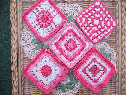 We will soon be doing another 'Think Pink' blanket. Tina sent some squares today!
