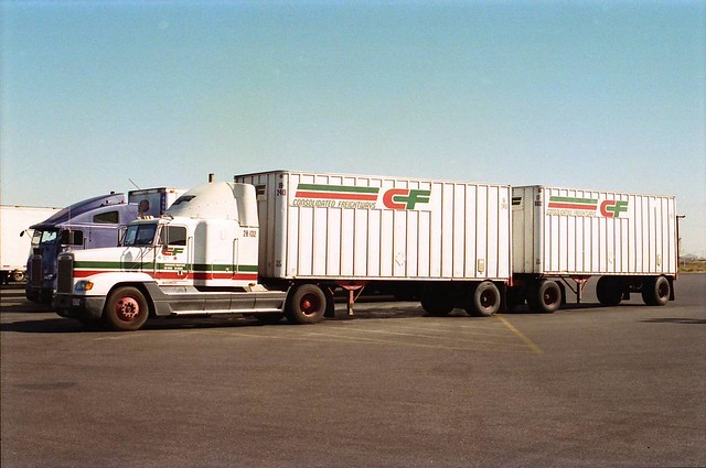 Freightliner consolidated freightways flickr photo for Motor cargo freight company