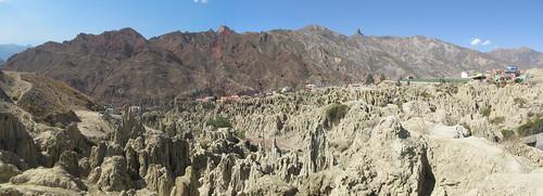 El Valle de la Luna: les montagnes rouges en arrière-plan