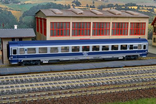 ro cfr 61 53 8987 0127 rocfr615389870127 amintiri feroviare 20060 amintiriferoviare20060 cfrcalatori ava200 ava astra arad vagoane h0 trenuri trenulete iasibucuresti intercity vagon bar