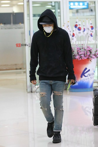 Big Bang - Gimpo Airport - 07jun2015 - Tae Yang - YB 518% - 09