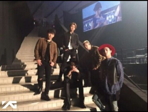 Big Bang - Tokyo Girls Collection - Backstage - 28feb2015 - YGEX Staff - 01
