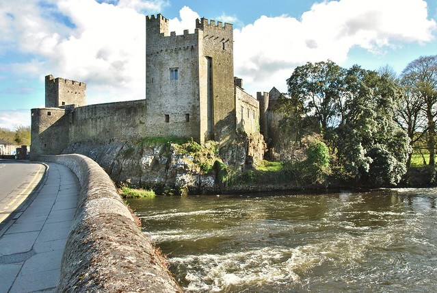 Searching for Ireland's Castles – On the Road Explorations
