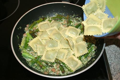 25 - Ravioli hinzufügen / Add ravioli