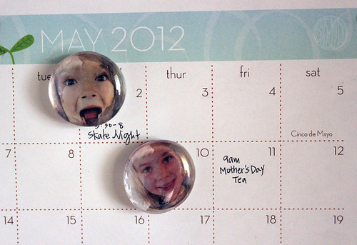 photo bubble magnets on fridge calendar