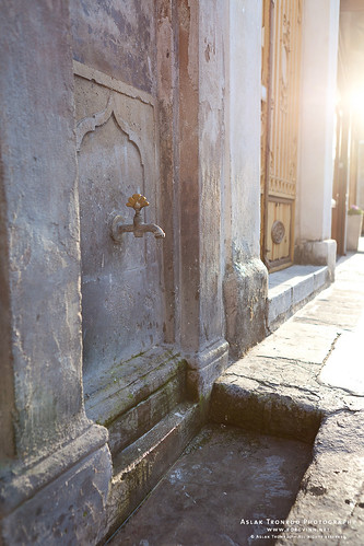 Water tap outside the Mehmet Aga Mosque by aslakt