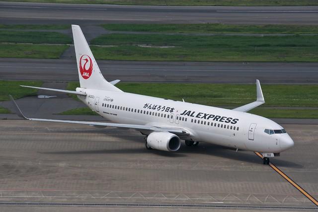 JAL Express Boeing 737-800 JA302J