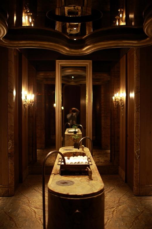 toilet003.JPG
