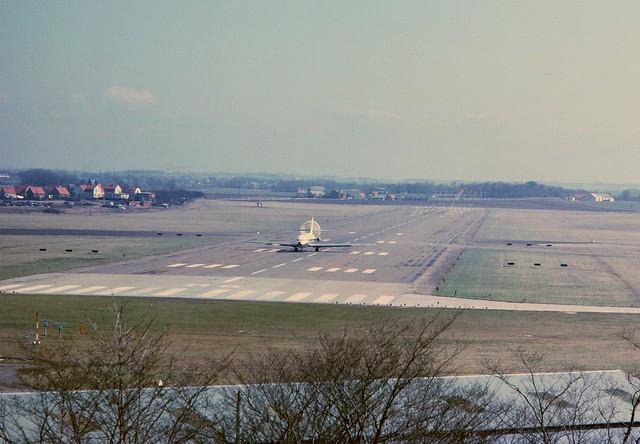 SAS Caravelle landing at Malmö Bulltofta